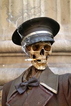 курение и удручающая статистика