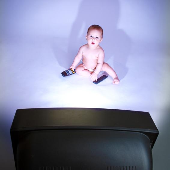 Держите детей дальше от телевизора