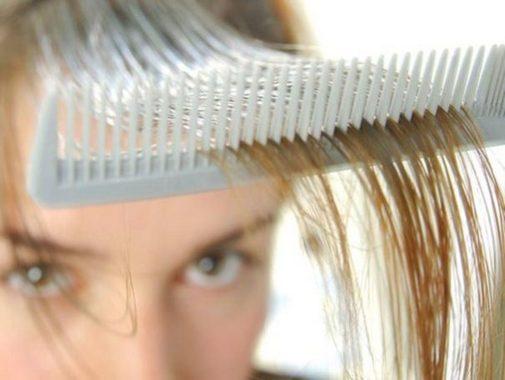 Как помочь волосам при жирной себорее