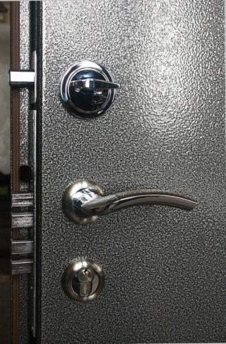 Эксплуатация металлической двери