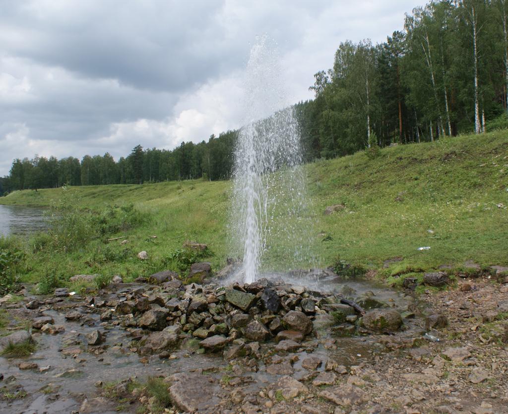 Питьевая вода: артезианская и минеральная