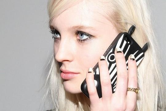 Мобильные телефоны влияют на состояние кожи
