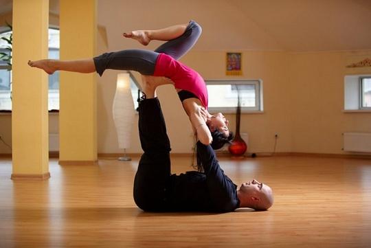 Йога с партнером – рекомендации специалистов