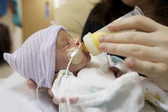 Питание недоношенного ребенка